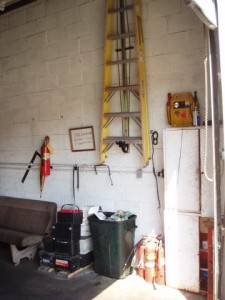 Vertical wall mount Oil Change Facility